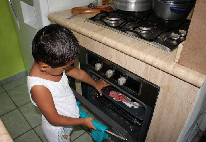 La mayoría de las quemaduras en niños, ocurren en casa. (Ángel Castilla/SIPSE)