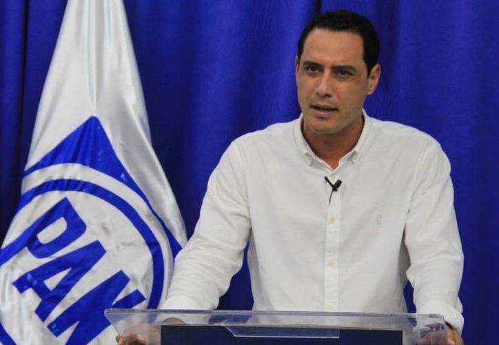 La sesión panista se desarrolló a puerta cerrada y no se permitió el uso de celulares. Imagen de archivo del presidente estatal del PAN, Raúl Paz Alonzo. (Foto tomada del Facebook de Raúl Paz)
