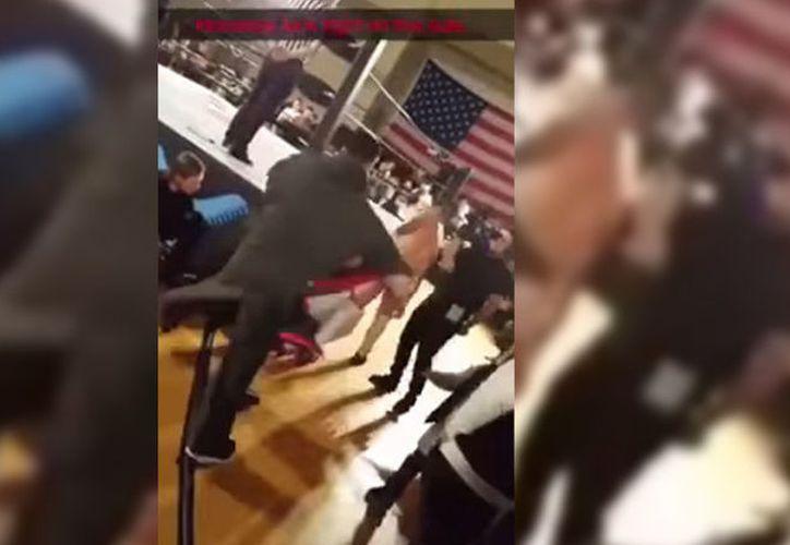 La conducta del luchador fue recriminada por los usuarios en las redes sociales. (Youtube/rcampa21)