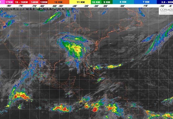 Es posible que se produzca una tormenta o chubasco dispersos en Playa del Carmen. (Conagua)