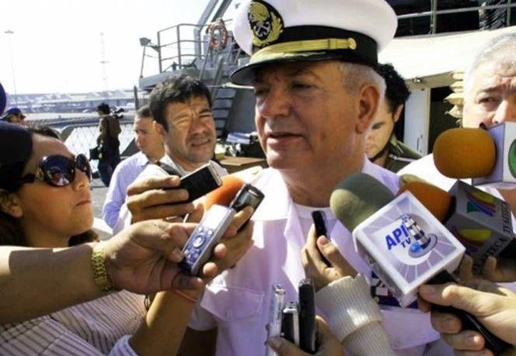 Lara Montellanos se comprometió a abatir a la delincuencia común, restándole importancia a los grupos de guerrilleros y el narcotráfico. (foto excelsior.com)