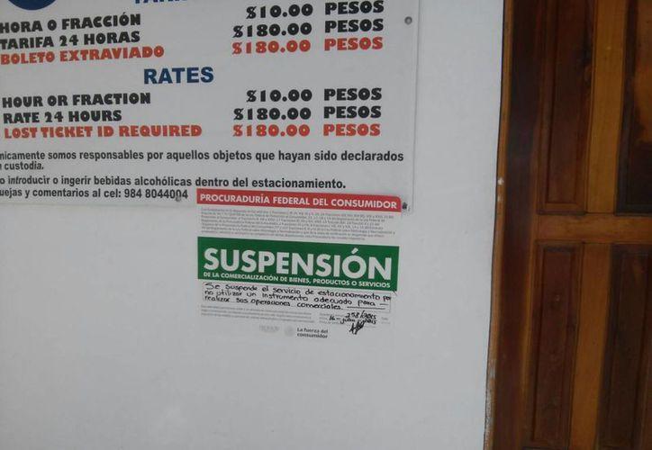 Un estacionamiento fue sancionado por no contar con un reloj adecuado para su operación. (Octavio Martínez/SIPSE)