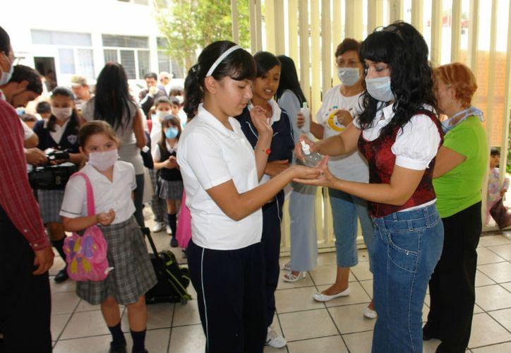 En aproximadamente un mes estaría retornando a las aulas medio millón de alumnos que conforman la población del nivel básico yucateco. (Imagen ilustrativa tomada de elheraldoslp.com.mx)