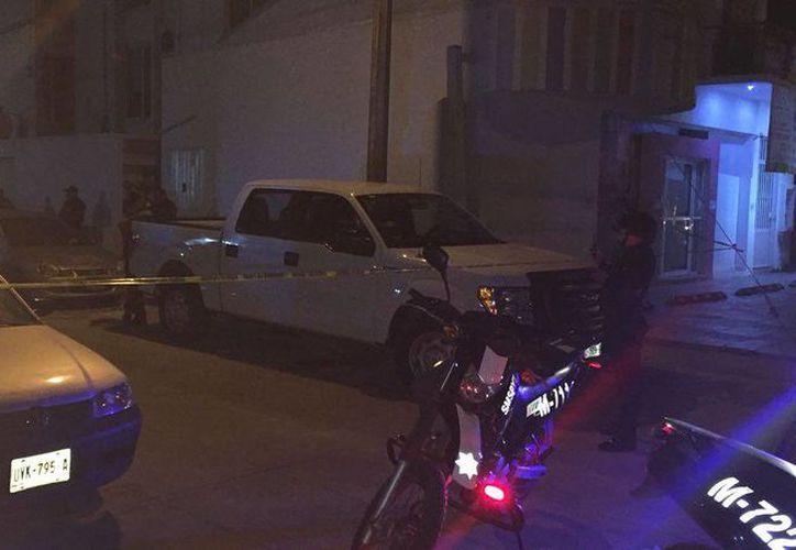 El rumor del rapto de una persona movilizó a las corporaciones policíacas a la avenida Labná con calle Gacela, en Cancún. (Redacción/SIPSE)