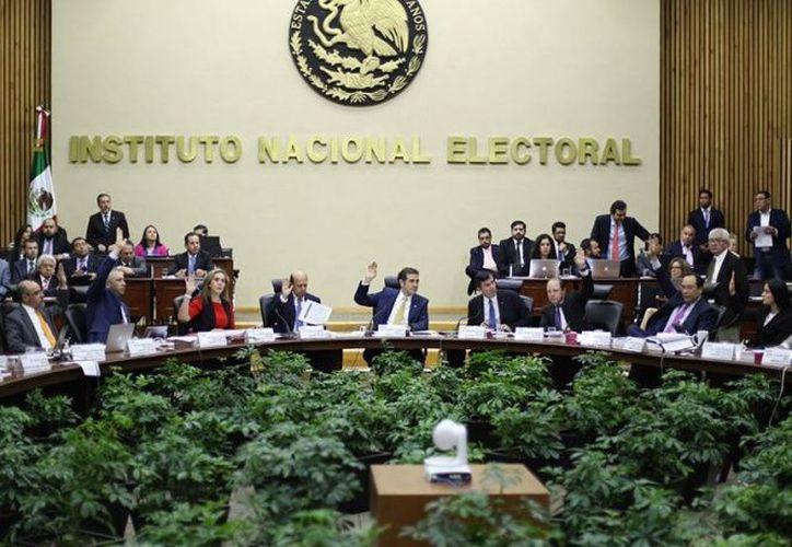 Adriana Favela, analizó, discutió y aprobó por unanimidad no aplicar medidas cautelares en ambos casos. (Excélsior)