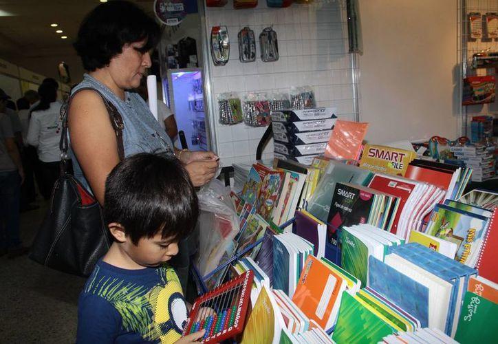 La Feria del Regreso a Clases de la Canaco Yucatán finaliza este domingo. (Jorge Acosta/SIPSE)