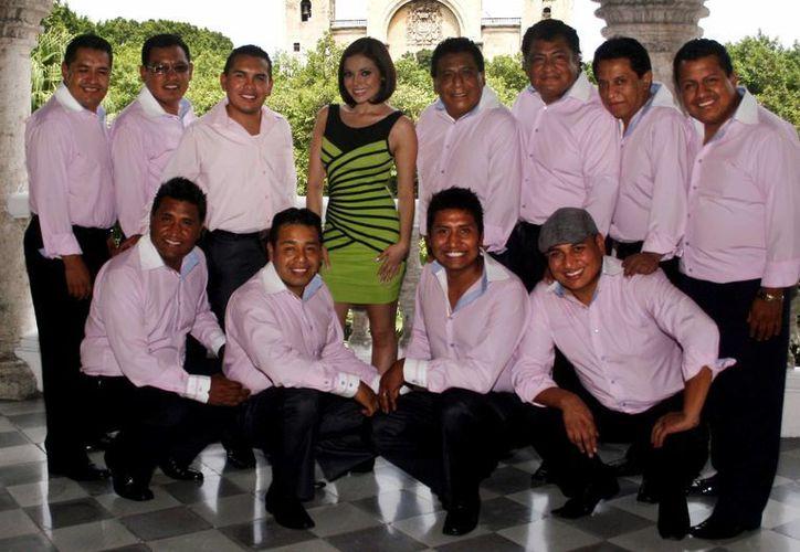 En su visita a Mérida, los integrantes de la Sonora Santanera se dijeron contentos de regresar. (Milenio Novedades)