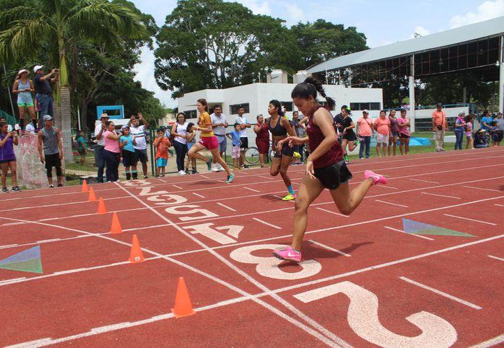 Los atletas se entregaron al máximo en sus diferentes pruebas. (Miguel Maldonado/SIPSE)