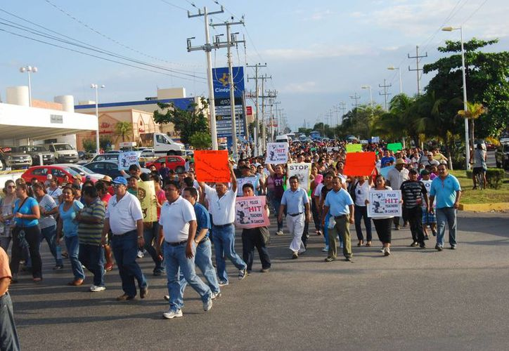 Estarán en el desfile los maestros que participaron en el conflicto magisterial. (Tomás Álvarez/SIPSE)