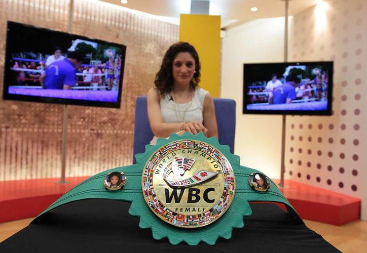 Jessica González tiene metas trazadas en el boxeo: Ser la mejor de México inspirada por la tijuanense Jackie Nava. (Notimex)