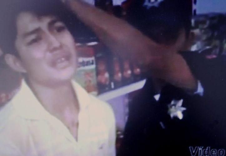 Causa revuelo video de la red, donde dos policías municipales golpean a un menor de edad. Gumersindo Jiménez Cuervo se dice sentir orgulloso de sus policías de proximidad social. (Enrique Mena/SIPSE)