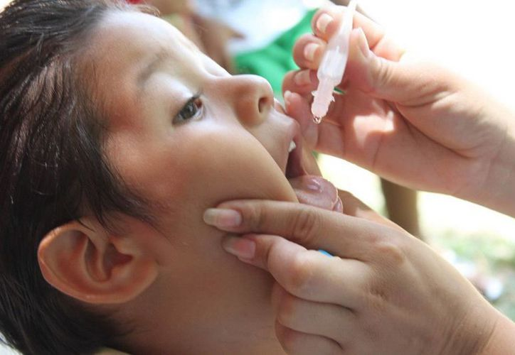 La SSA exhorta a la población a vacunar a todos los niños menores de cinco años, que resultan los más afectados por la poliomielitis. (Archivo/SIPSE)