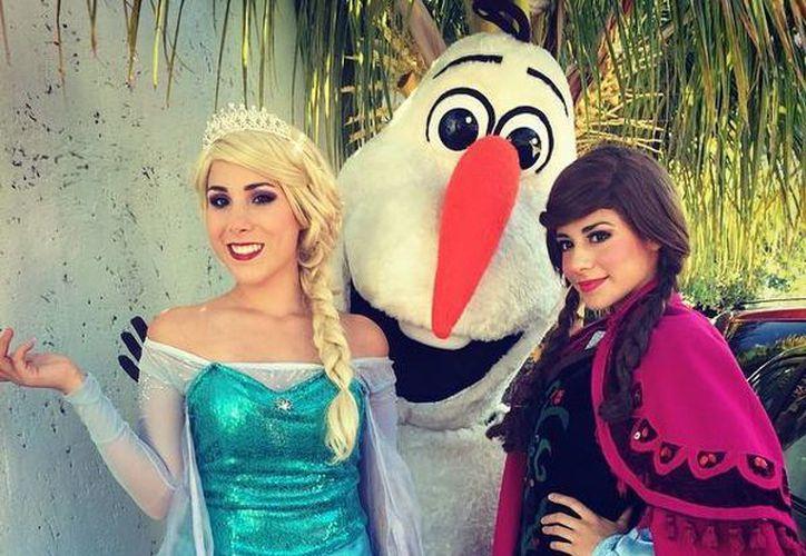 Ana, Olaf, y Elsa, preparados para sus próximas funciones. (Fabekoo/Esdrikidsshow)