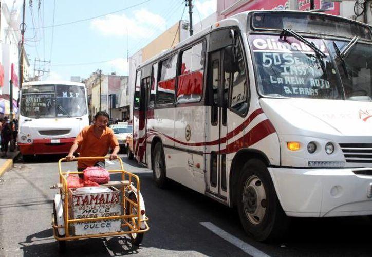 El transporte representa un 13.44 por ciento total de los gastos que se generan en casa. (Archivo/SIPSE)