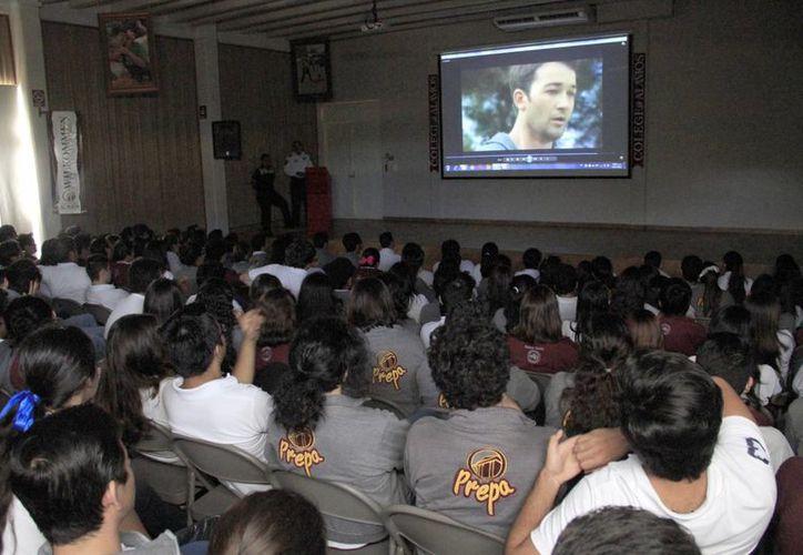 La actividad se replicará en preparatorias y universidades de Cancún. (Sergio Orozco/SIPSE)