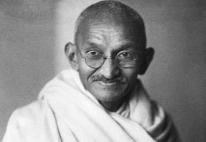 Mohandas Karamchand Gandhi nació en Porbandar, en el noroeste de la India, el 2 de octubre de 1869, en el seno de una familia hindú. (Contenido/Internet)