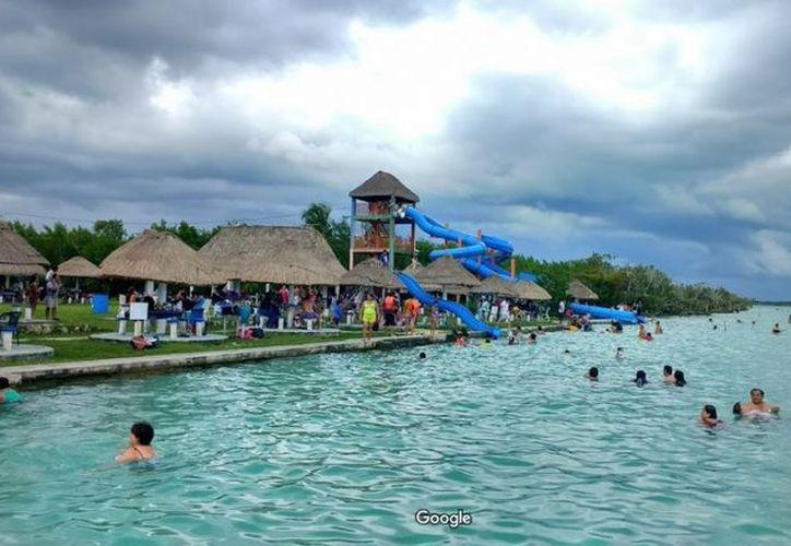 Un joven perdió la vida este mediodía cuando se divertía en un balneario de Bacalar. (Descubro.mx)