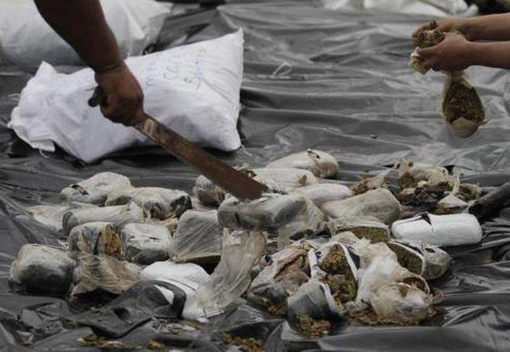 En las cuatro acciones policiales se decomisaron 2.36 toneladas de cocaína, 789 kilos de marihuana y de heroína. (Archivo/Reuters)