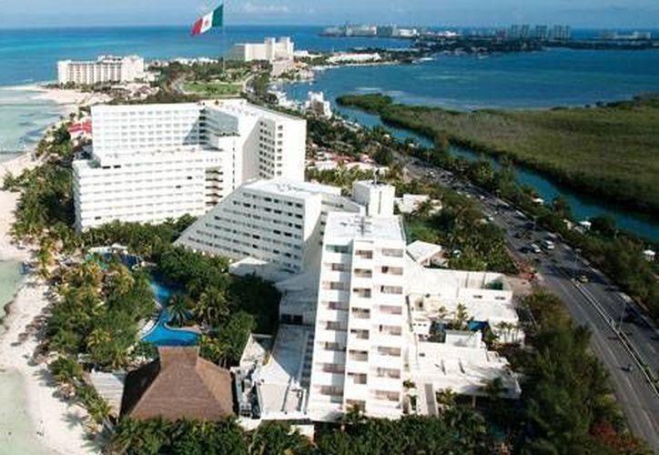 Se encargan de cumplir los sueños de los niños con cáncer de Tabasco; visitan Cancún. (Redacción/SIPSE)