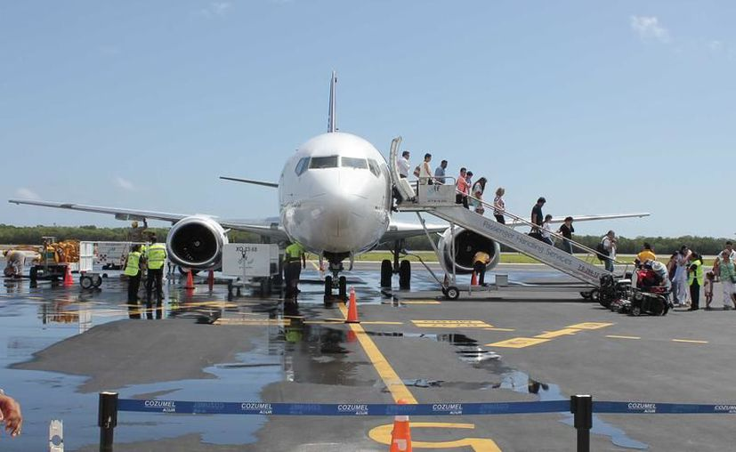 Volaris comenzó a pilotar vuelos entre México y Cozumel. (Archivo)