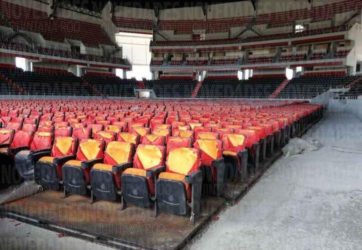 El Auditorio tuvo un costo de 245 millones de pesos para su edificación y tiene capacidad para albergar a 12 mil personas. (Ivette Ycoz/ SIPSE)