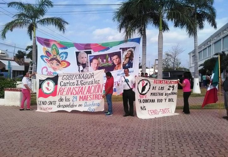 Los manifestantes decidieron subir a las oficinas de la presidencia municipal. (Daniel Pacheco/ SIPSE)