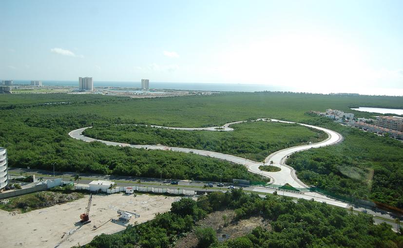 En 2005 Fonatur anunció la construcción de un malecón en la zona de manglares. (Sergio Orozco/SIPSE)