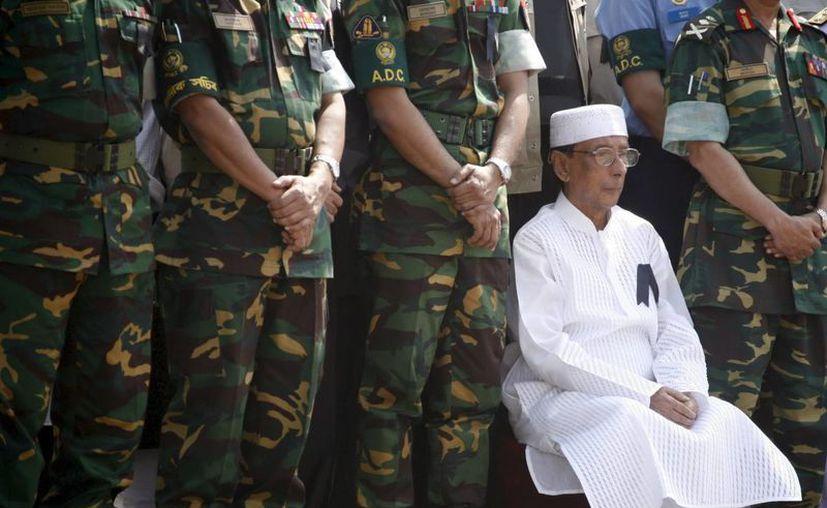 El presidente de Bangladesh, Zillur Rahman (blanco), durante una ceremonia. (EFE/Archivo)