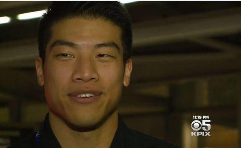Hubert Tang aseguró que podría comenzar a dejar billetes de 20 dólares en la calle al azar para propagar su buena fortuna. (ubertopic.com)