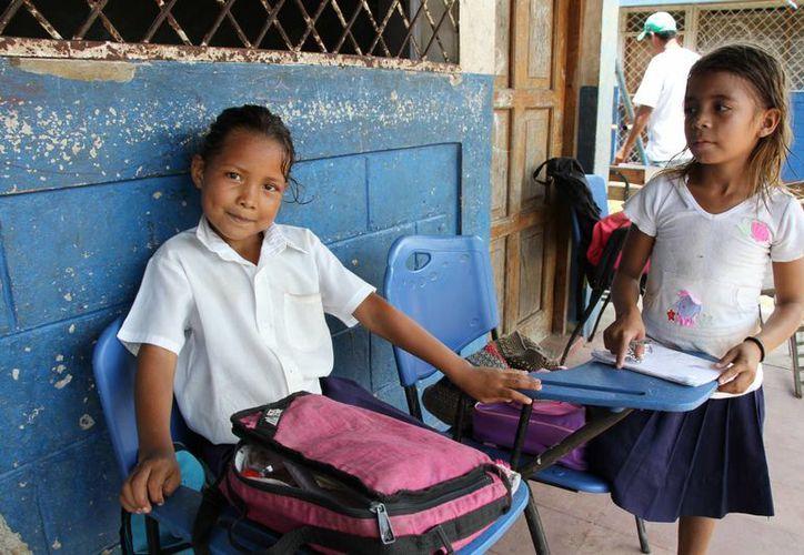 En Nicaragua, un solo profesor atiende a grupos de hasta 40 niños, lo que dificulta el correcto aprendizaje. (unicef.org.ni)
