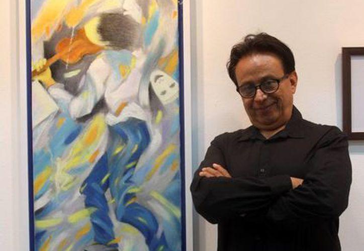 Imagen del artista plástico oaxaqueño Luis José, quien expondrá por primera vez de manera individual en Yucatán. (Milenio Novedades)