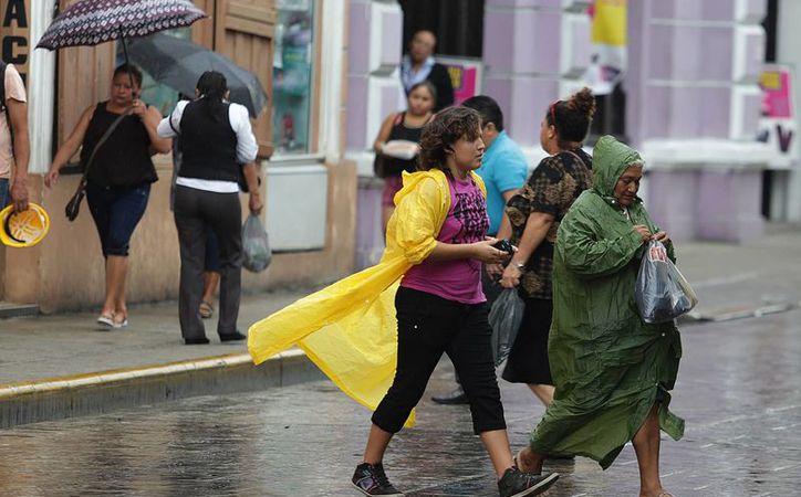 Para la Península de Yucatán se estima cielo medio nublado a nublado, 80 por ciento de probabilidad de tormentas puntuales muy fuertes en la región. (Notimex)