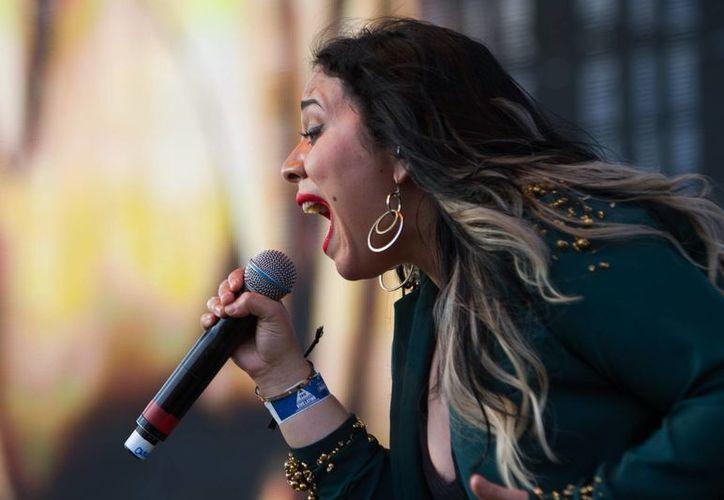 Carla Morrison se presentó la tarde de este domingo en el escenario Tecate del Vive Latino 2016. (Notimex)