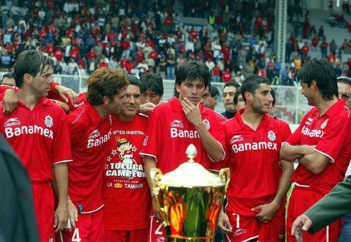 Toluca es el equipo con más campeonatos de trofeos cortos en su vitrina. Puede presumir siete títulos en 20 años. (Archivo Mexsport)