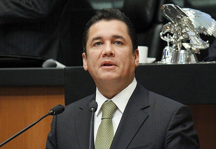 A través de Twitter, Carlos Puente dio a conocer que buscará unirse al candidato del PRI. (Foto: Contexto)