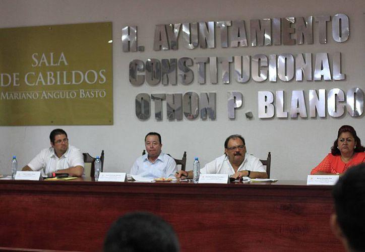 El Cabildo de Othón P. Blanco aprobó ayer el Reglamento de Salud Municipal que regulará a comercios y áreas públicas de Chetumal. (Harold Alcocer/SIPSE)
