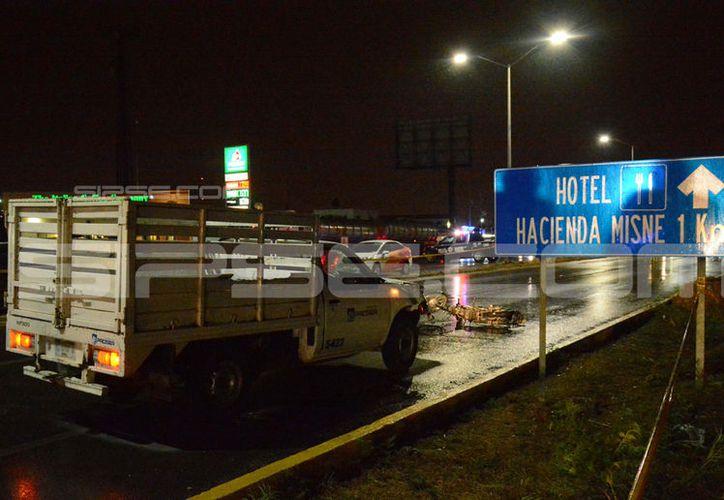 El accidente se registró en la entrada a la ciudad sobre la carretera Mérida-Cancún. (Victoria González/SIPSE)