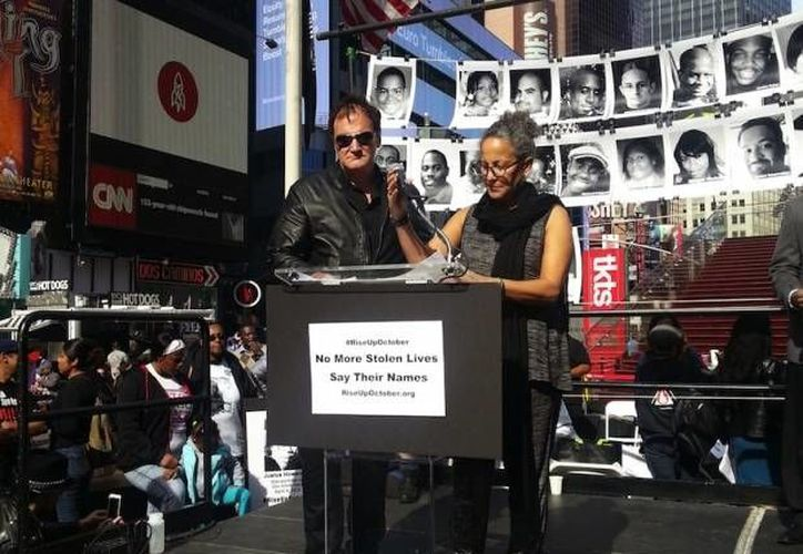 El director de cine Quentin Tarantino participó este jueves en el 'RiseUpOctober', tres días de acciones para pedir freno de la violencia policial en Estados Unidos. (AFP)