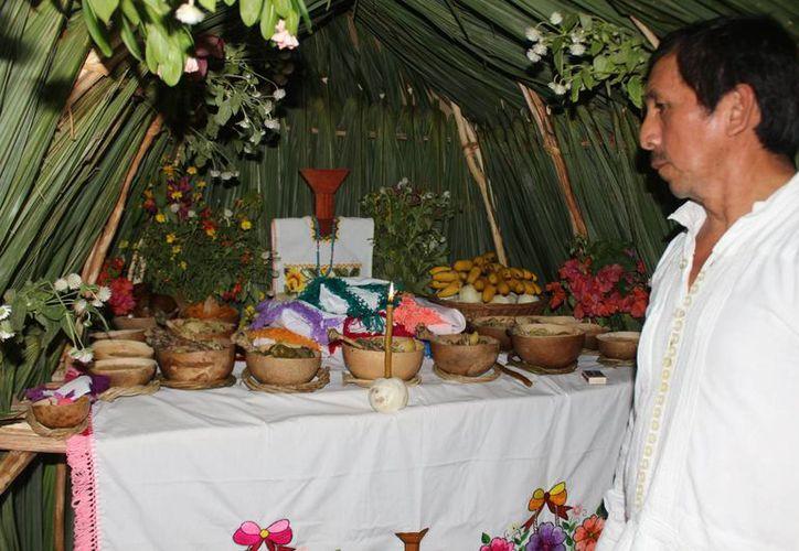 Hanal Pixán o comida de las almas es el festejo maya a los difuntos.(Benjamín Pat/SIPSE)