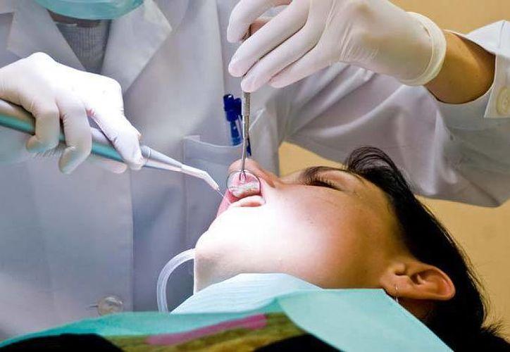 Expertos advirtieron que no debe permitirse que este caso afecte el trabajo de los odontólogos y cirujanos dentistas que operan con seguridad. (Imagen de contexto/Internet)