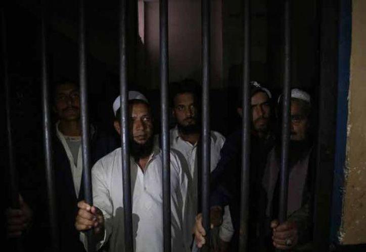 """Los detenidos confesaron haber matado a la pareja como lo dispuso la """"jirga"""", o consejo tribal. (AP)"""