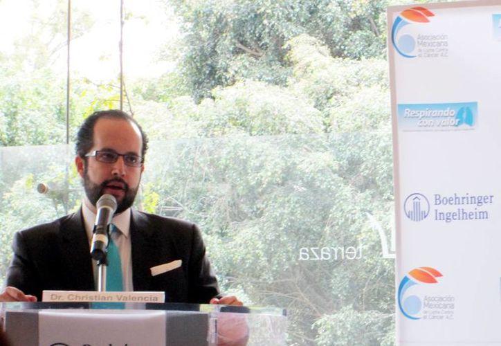 Christian Valencia  Pineda, gerente médico de Boehringer Ingelheim, durante la presentación del tratamiento. (Milenio Novedades)