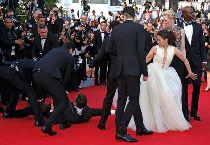Afortunadamente, el vestido de la actriz no resultó dañado. (Reuters)