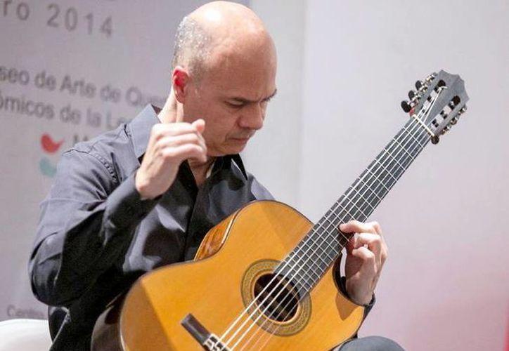 Manuel Rubio Canto, concertista desde hace más 20 años, es también director artístico del Festival de Guitarra Clásica de Mérida de la Universidad Autónoma de Yucatán. (Milenio Novedades)