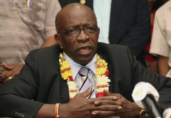 El trinitario Jack Warner fue arrestado por su implicación en casos de corrupción al interior de la FIFA, pero finalmente pagó una fianza de 2.5 mdd y salió libre. (Foto: AP)