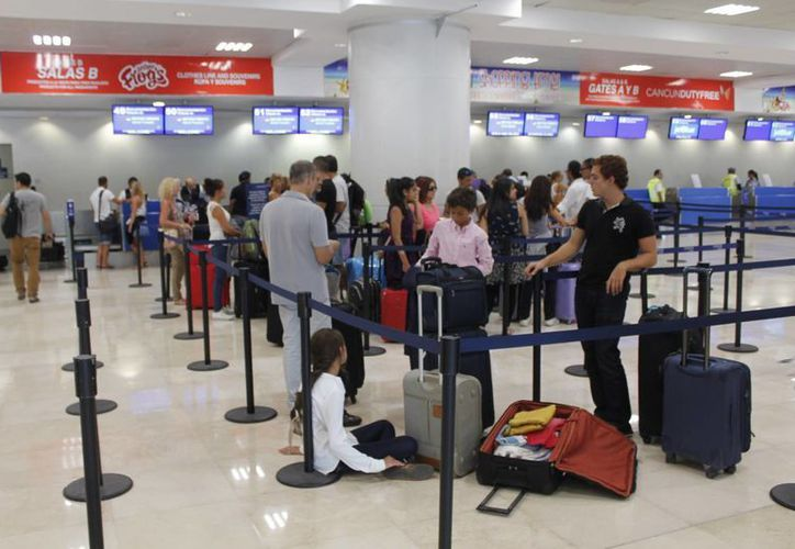 Durante el primer semestre del año, se contabilizó la llegada de un millón de turistas canadienses a Cancún. (Israel Leal/SIPSE)