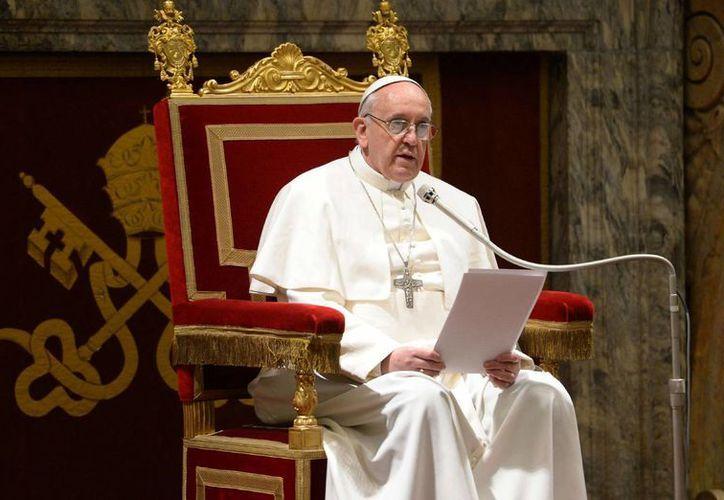 """El papa Francisco dijo que las """"condiciones sociales injustas"""" como el desempleo pueden conducir al pecado, la ruina financiera e incluso el suicidio. (Agencias)"""