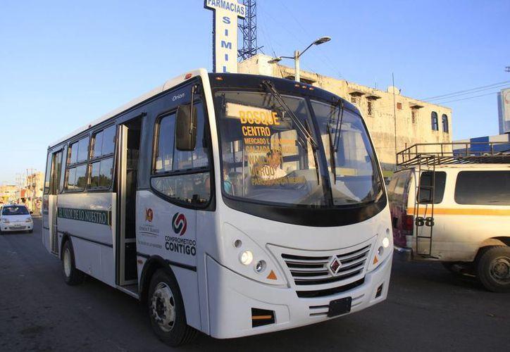 El transporte público en Chetumal no cubre las 15 rutas establecidas en la ciudad. (Harold Alcocer/SIPSE)