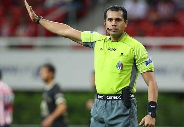 Erim Ramírez, uno de los silbantes que presentó denuncia en contra de la Federación Mexicana de Futbol, por despido injustificado. (Archivo/Sipse)