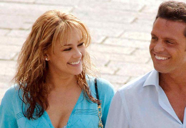 Aracely Arámbula afirmó que no tiene interés en que su relación con Luis Miguel salga en la serie de Netflix. (Internet)